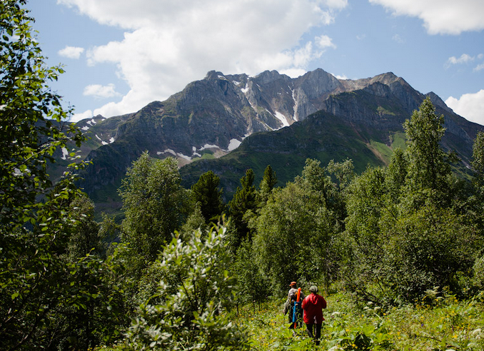 Sayan-Mountain-trekking.png